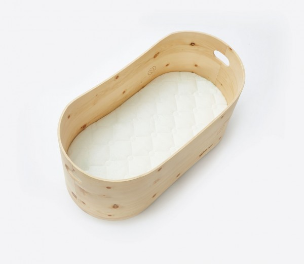 bennis nest Babybett aus Zirbenholz mit Matratze